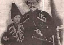 Князь Хасай-Хан Уцмиев  с сыном Махти