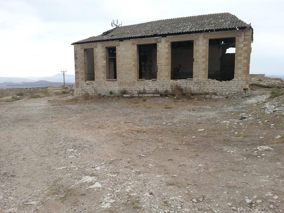 Остатки здания школы построенной на средства Муртузали Геллинского